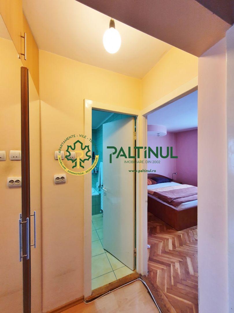 Apartament 3 camere, zona Scoala de Inot