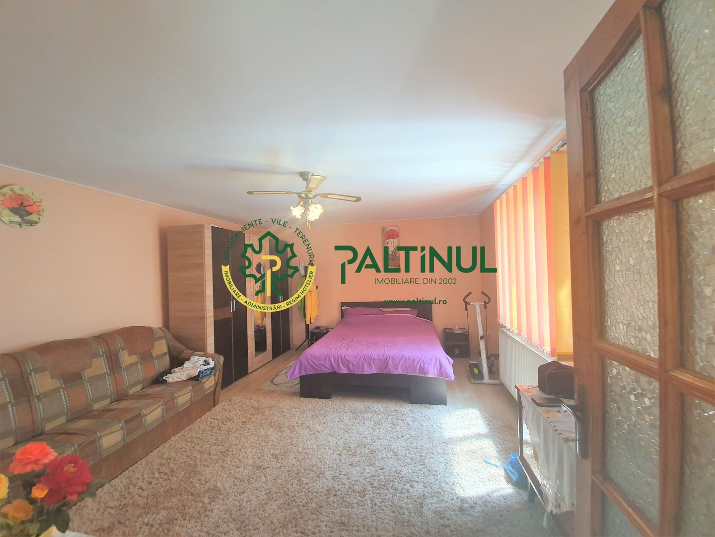 Casa cu 2 apartamente si teren 600 mp Selimbar