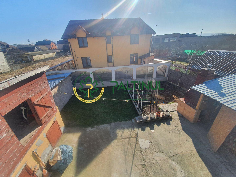 Casa 4 camere si teren 400 mp zona Tractorului