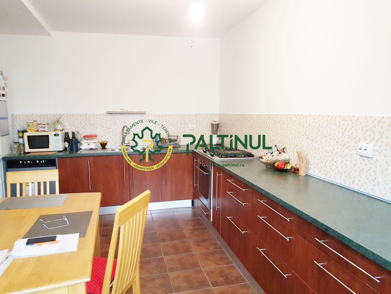 Casă 3 camere in Lazaret