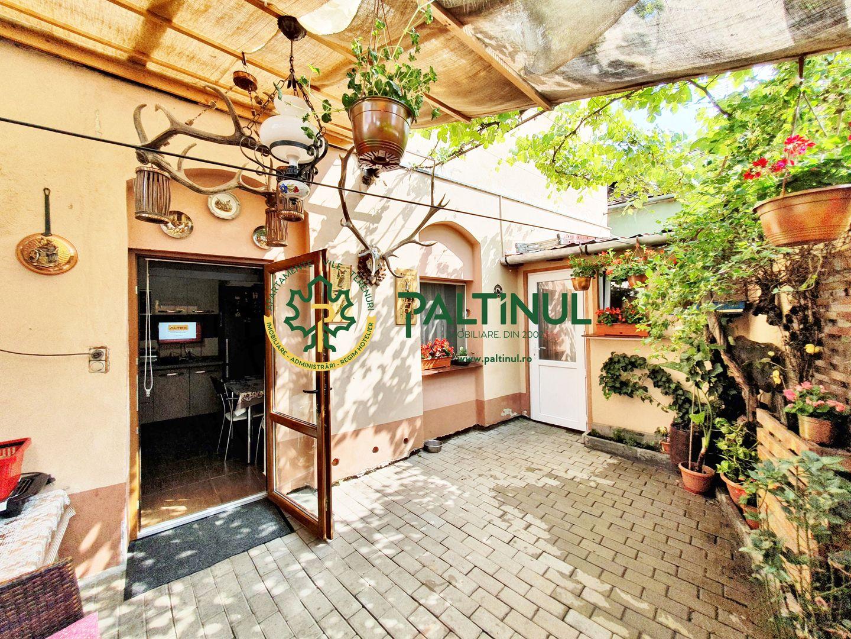 Apartament la casa, zona Liceu Independenta