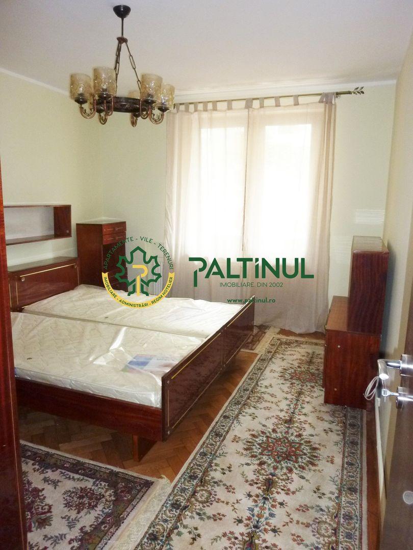 Apartament 3 camere la vila, zona Strand