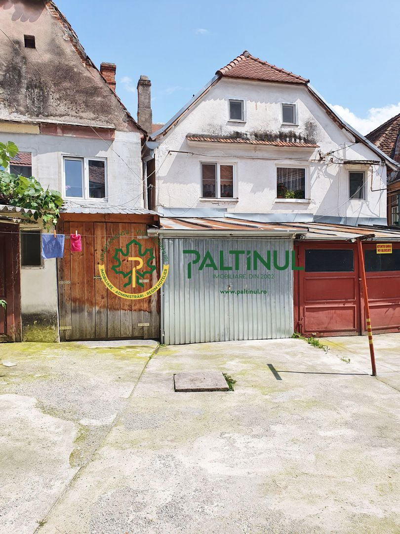 Apartament la casa 1 camera cu garaj, terasa  zona Centru Vechi