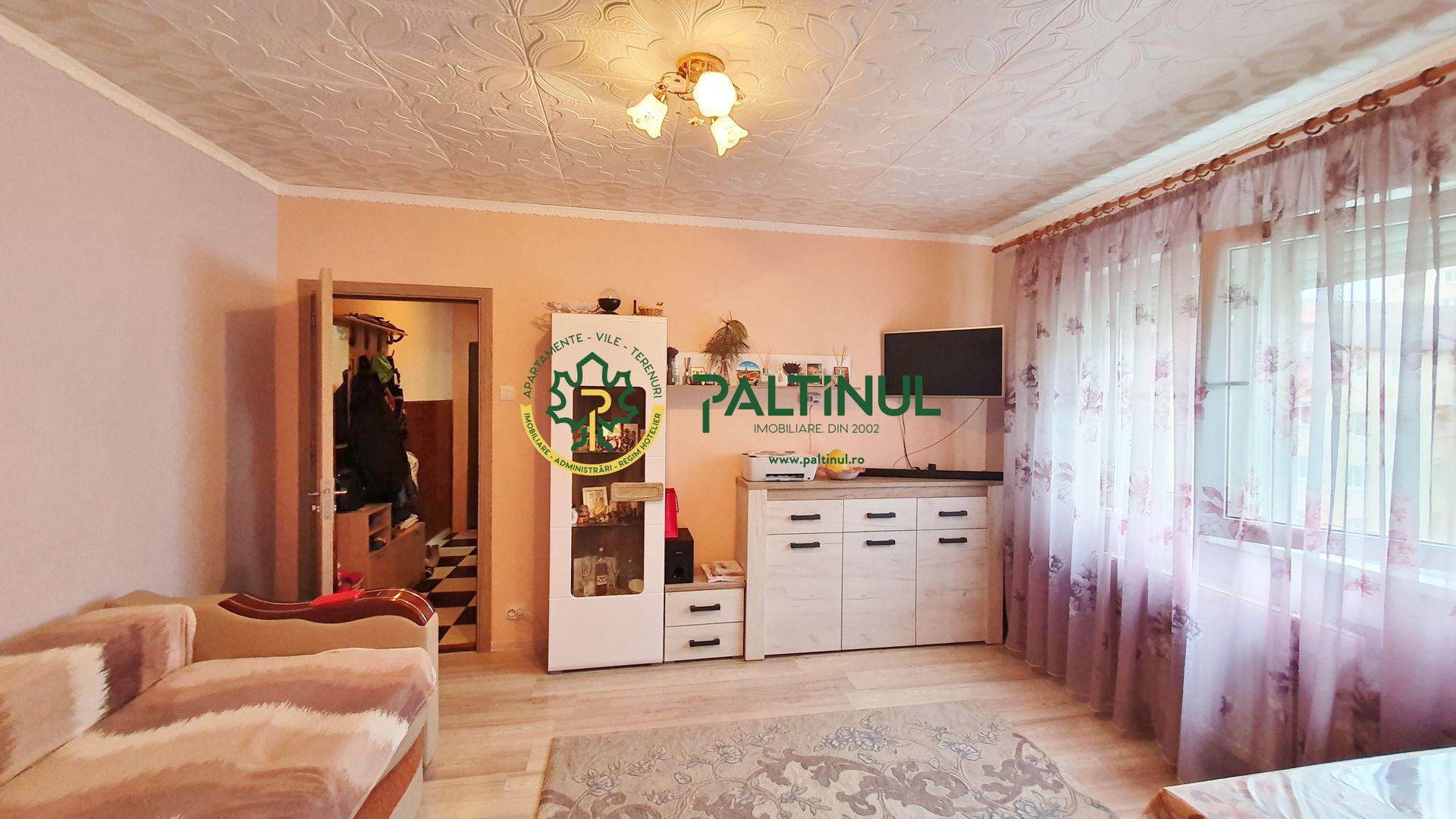 Apartament doua camere, zona Vasile Aaron
